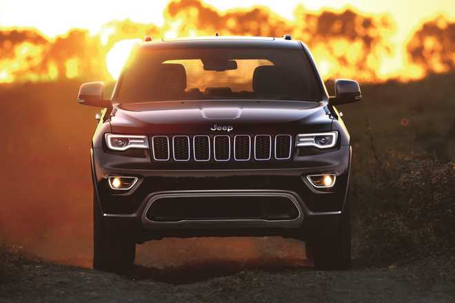FCA introduces new Jeep Grand Cherokee petrol and slashes prices across luxury range